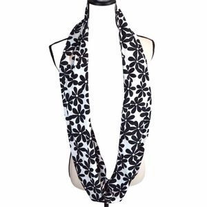 Daisy Black/White Infinity/Loop Silky Scarf